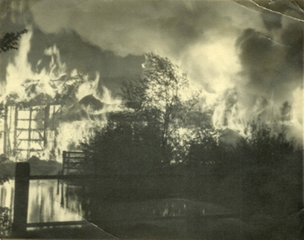 Fire at Top Farm (Ivy Farm) circa 1960